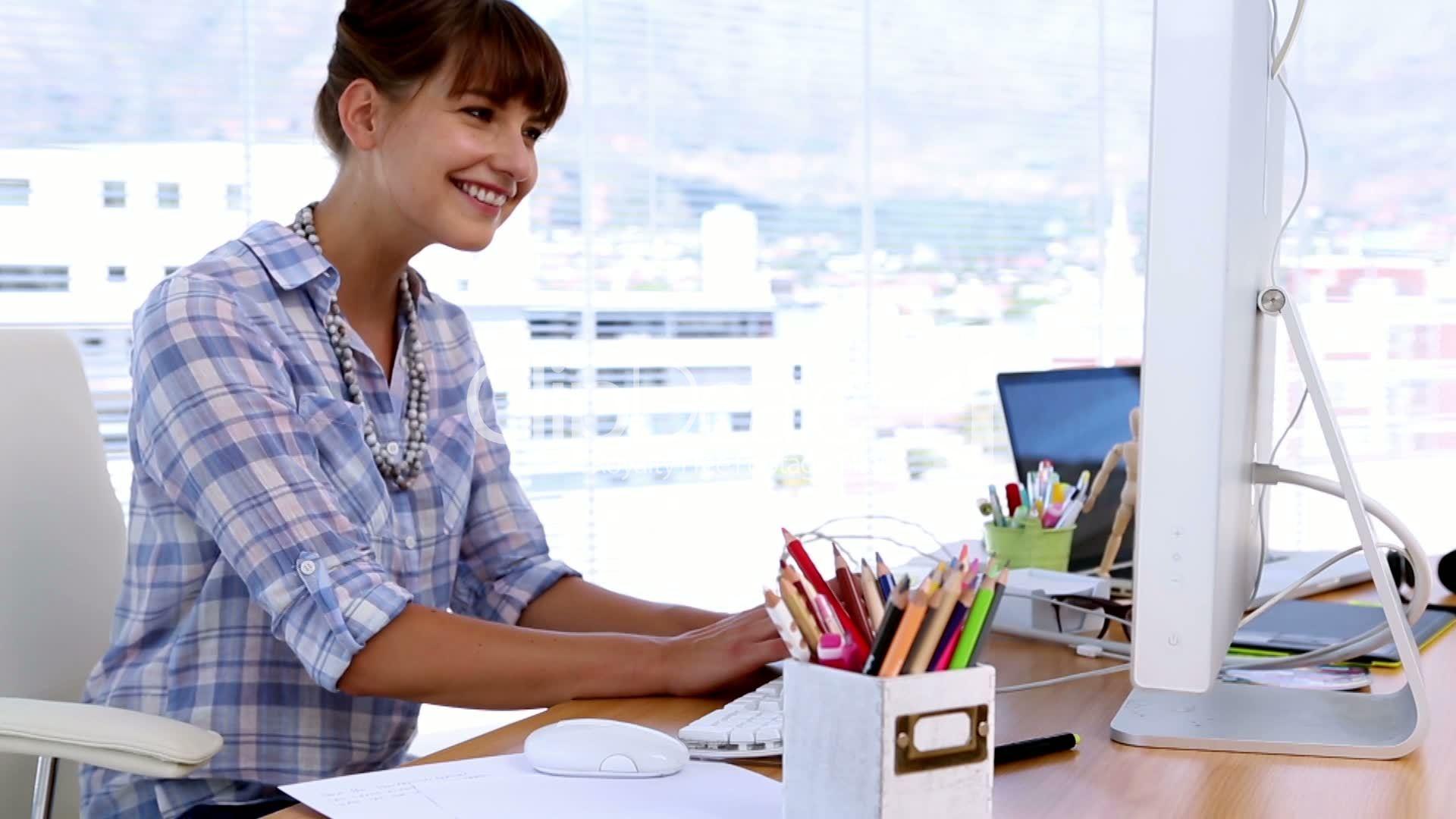 6--2578314-Pretty designer working on computer
