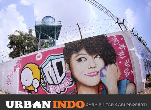 Hasil gambar salah satu anggota SNSD, Sooyoung di Stasiun Kereta Api Bagian Barat, Bandung, yang sengaja dibuat sebagai hadiah ulang tahun Sooyoung