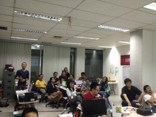 Saat Demo Day di Sribu untuk mempresentasikan pengembangan apa saja yang terjadi pada website Sribu